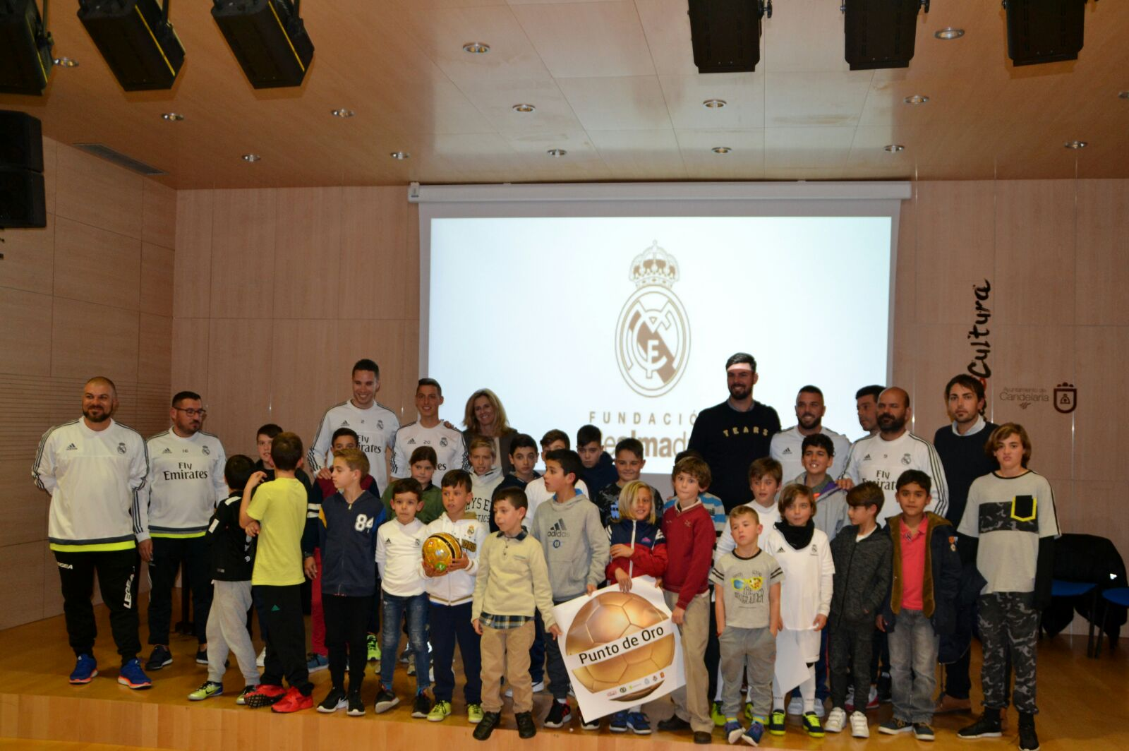 /media/2379/charla-fundacion-real-madrid3.jpg